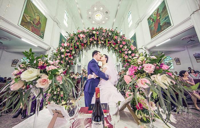 宜昌教堂婚礼策划案例_爱的旅程